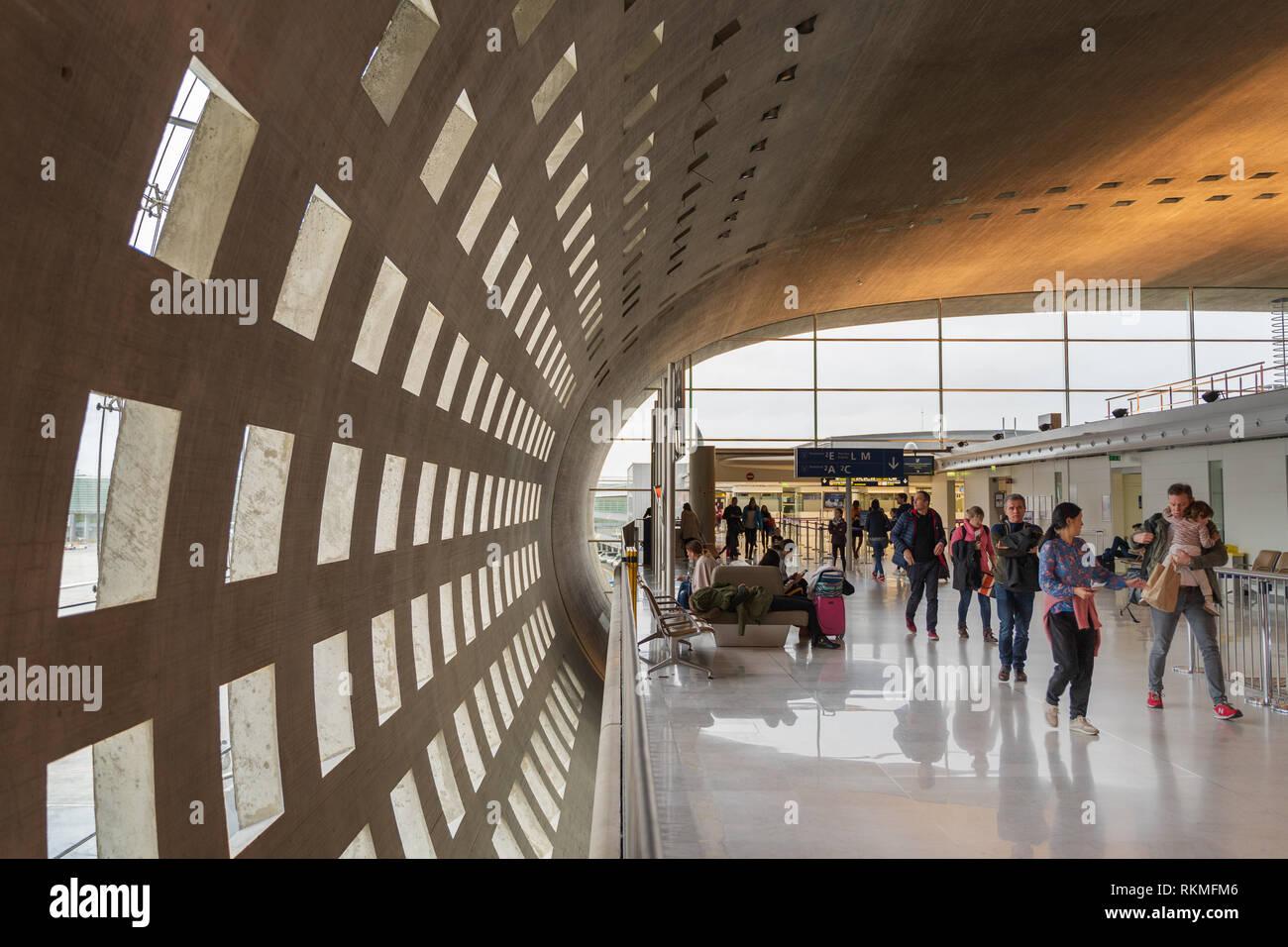 Architecte Interieur Paris 18 l'aéroport cdg, paris - 12/22/18 : intérieur de terminal 2f