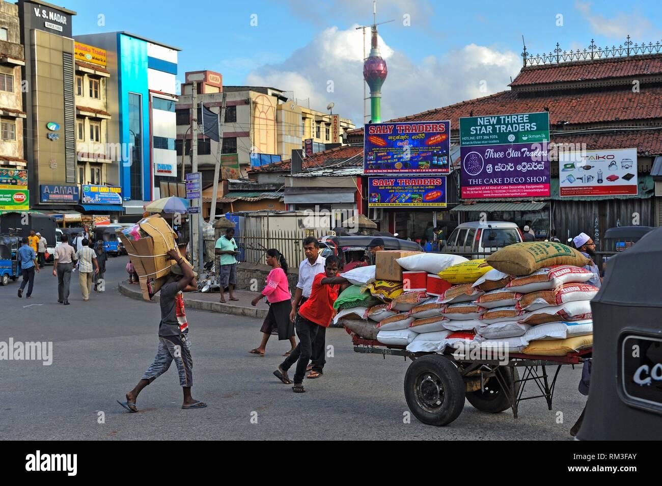 Rue principale et la rue du Barrage, rond-point du quartier Pettah, Colombo, Sri Lanka, Inde, Asie du Sud. Photo Stock