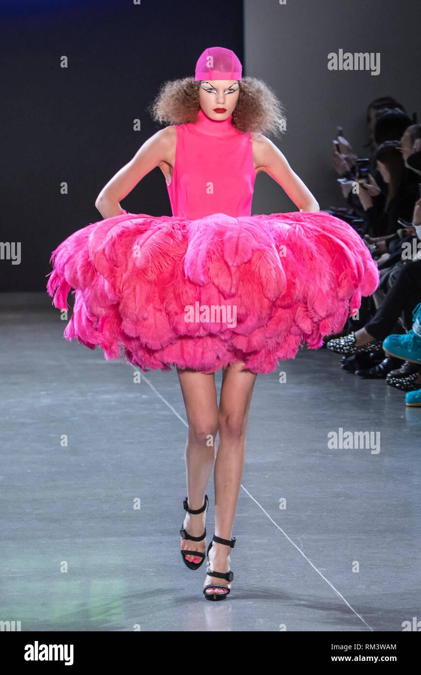 New York, USA. 12 Février, 2019. 12 février 2019 - New York, USA - Christian Cowan Automne Hiver 2019 piste à New York Fashion Week . Crédit photo: Rudy k/Alamy Live News Photo Stock