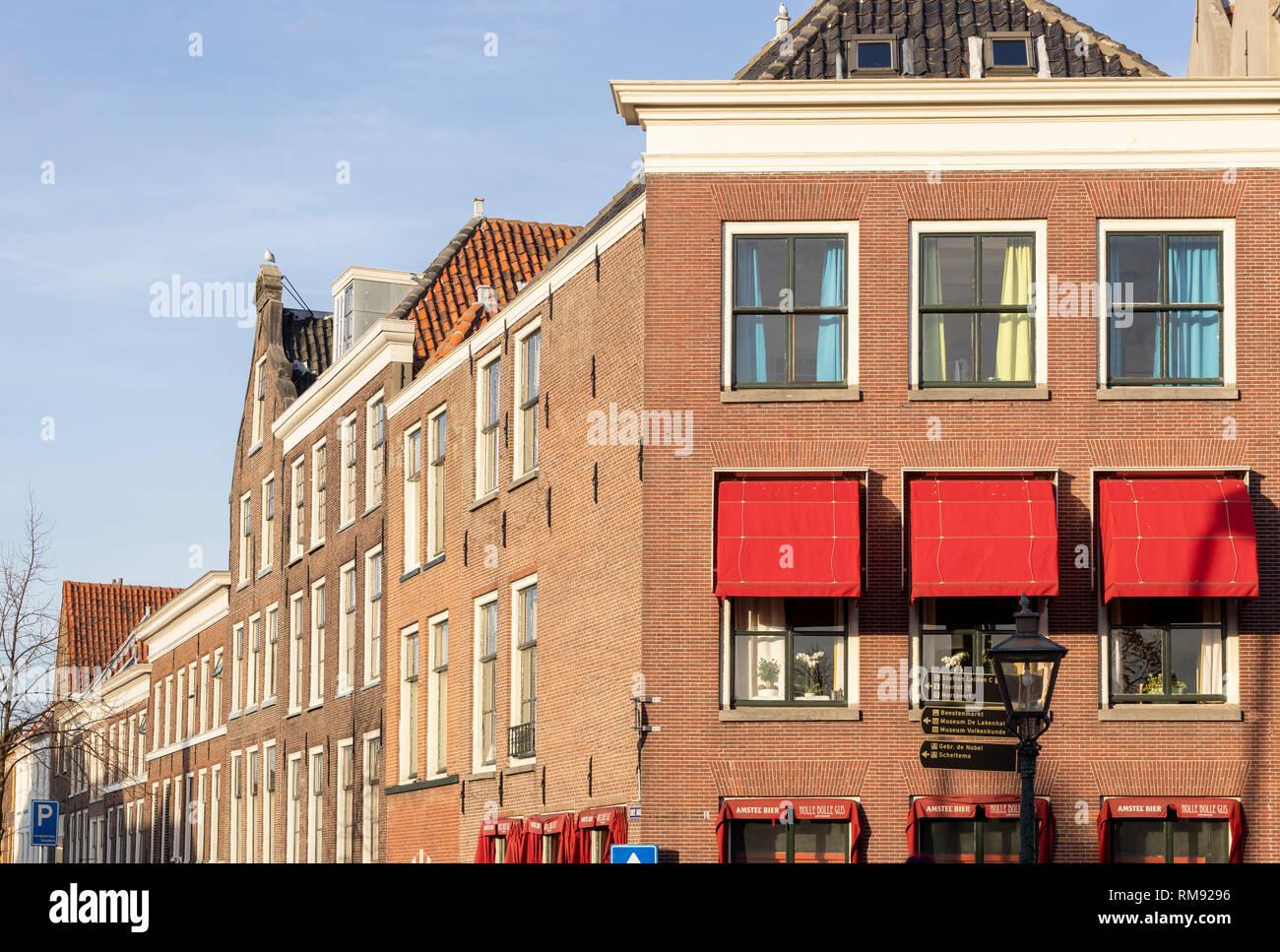 Copie de jour moderne typique hollandais de brique classique façades ...