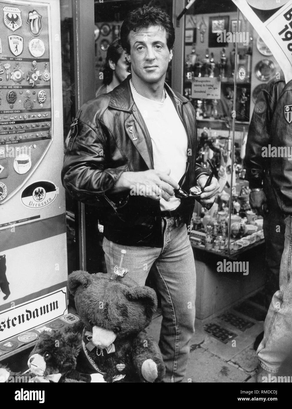 Sylvester Stallone 14/x 11/Photo Promotionnels en cuir Veste et chapeau comme Rocky Balboa