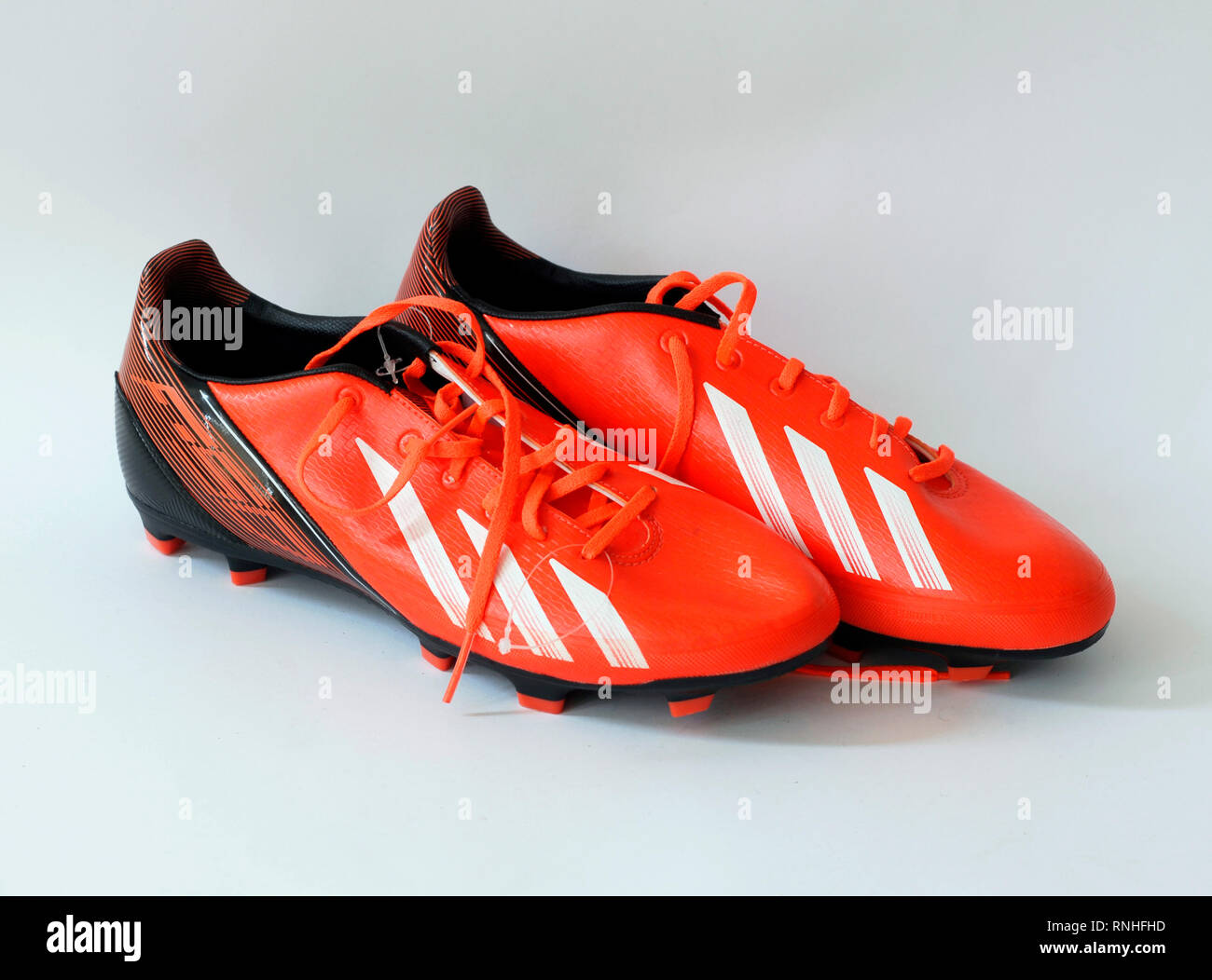 InfrarougeEn Fait Football De Orange F30 couleur Adidas Chaussures odWrQCxBe