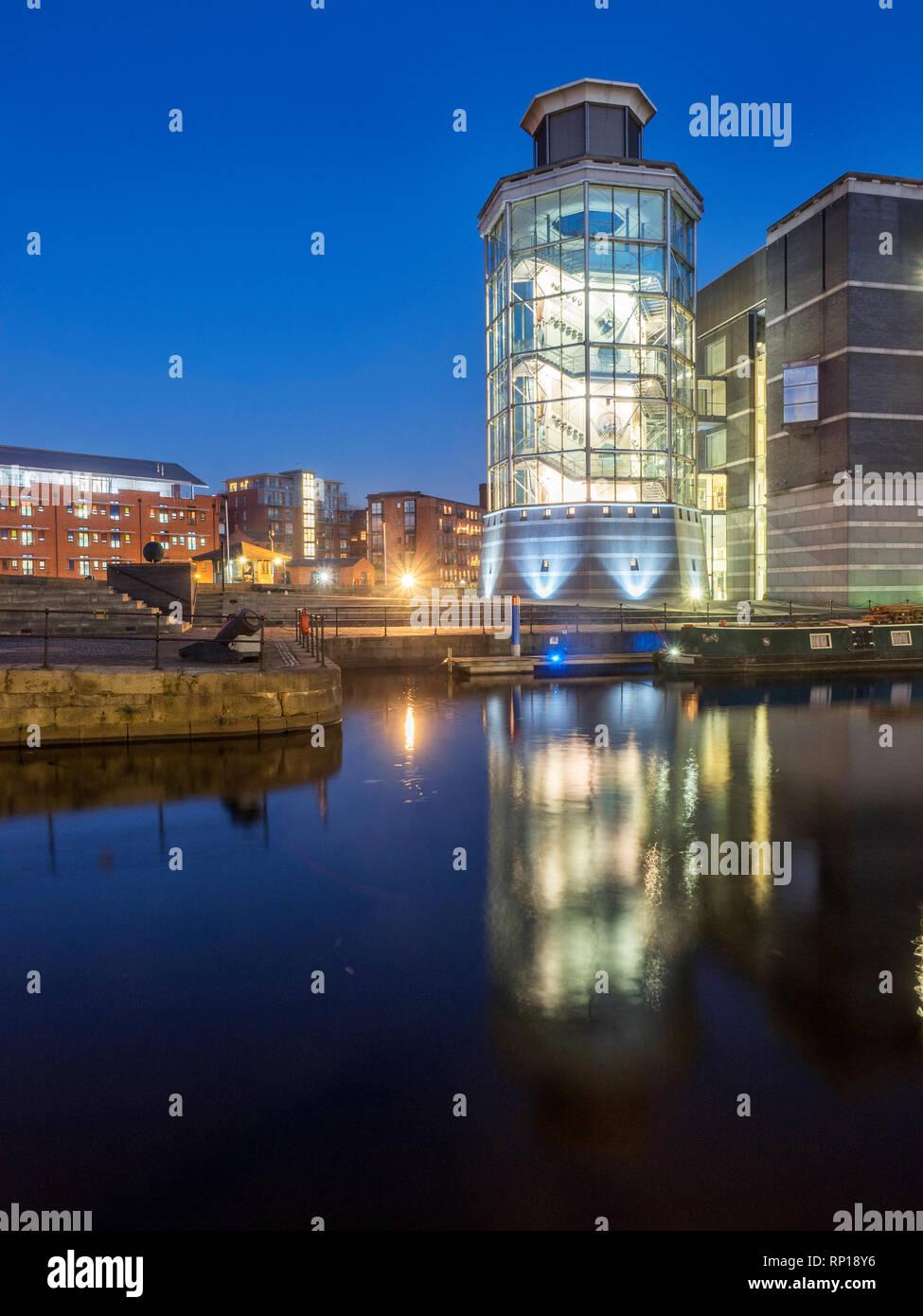 gratuit en ligne datant Leeds Hook Up Description du poste de gestionnaire