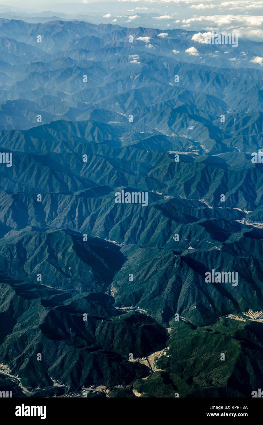 Montagnes en Préfecture Tokushima vu de l'air, Shikoku, Japon Photo Stock