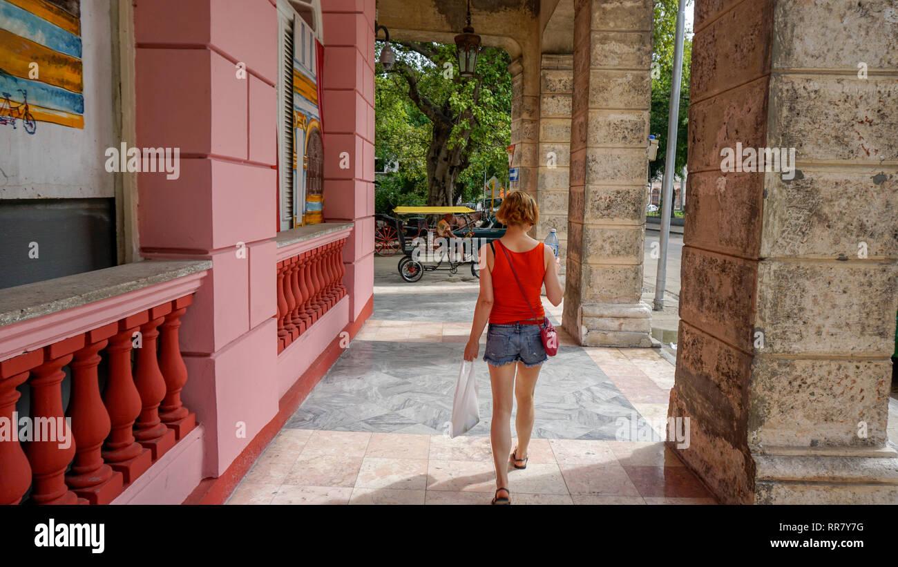 Aller à la découverte de La Havane a été une expérience incroyable. L'endroit est magnifique et les habitants sont chaleureux et accueillants. Photo Stock