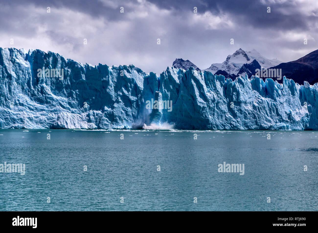 Le glacier Perito Moreno, le Parc National Los Glaciares, Patagonie, Lago Argentino, Province de Santa Cruz, Argentine Banque D'Images
