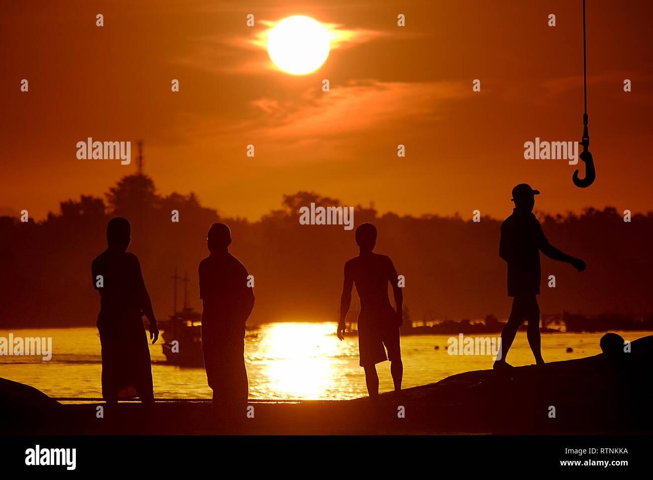 Memulai aktifitas pagi di Pelabuhan Tanjung Pandan, Belitung Photo Stock