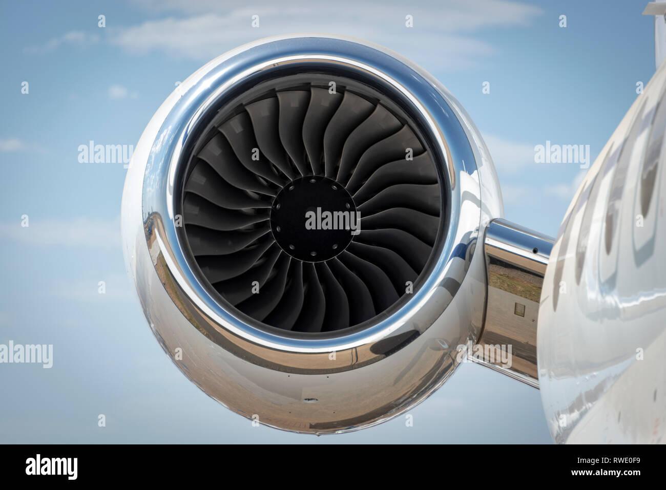 Moteur à turbine à jet d'un avion à réaction de luxe Banque D'Images