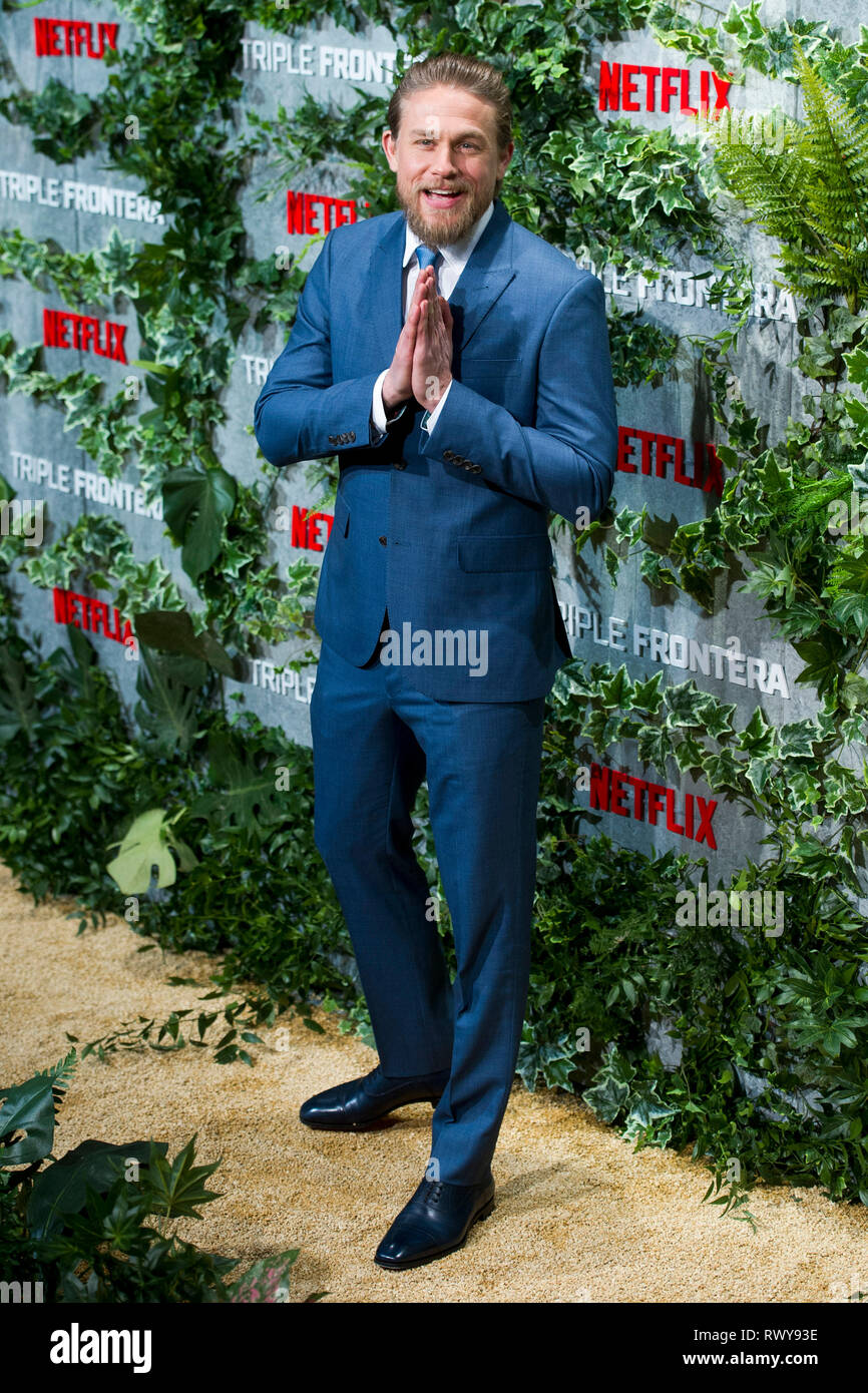 """Charlie Hunnam lors de la première de la """"Triple frontera Netflix movie / Triple frontière' au Cine Callao. Madrid, 06.03.2019   Le monde d'utilisation Photo Stock"""