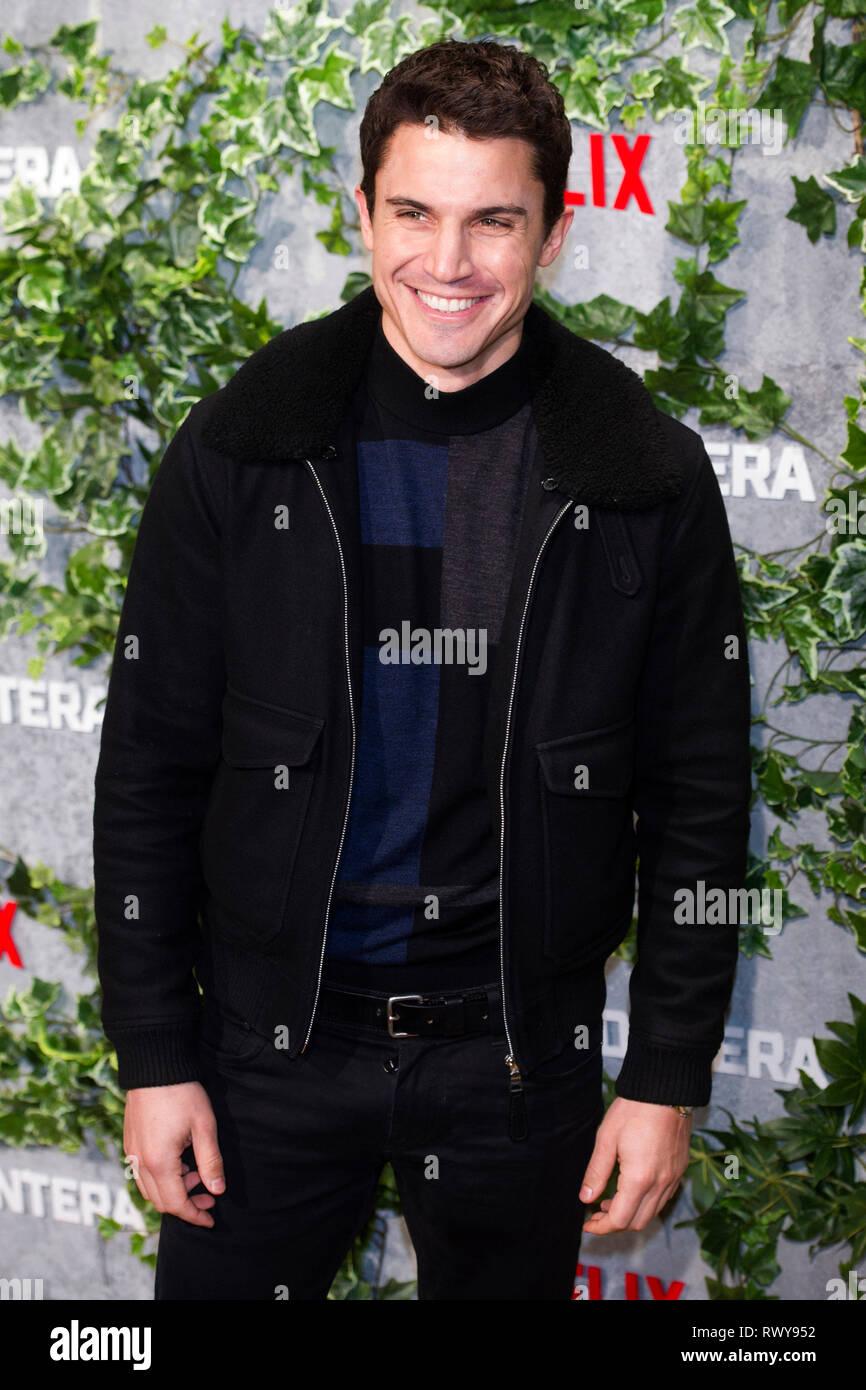 """Alex Gonzalez à la première de la """"Triple frontera Netflix movie / Triple frontière' au Cine Callao. Madrid, 06.03.2019   Le monde d'utilisation Photo Stock"""