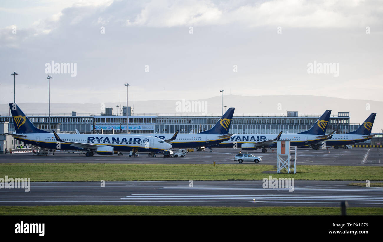 Prestwick, UK. 7 mars 2019. Les avions de Ryanair vu à Prestwick sur un soir de printemps. Ryanair est une compagnie aérienne à bas coûts irlandaise fondée en 1984, headquartere Banque D'Images