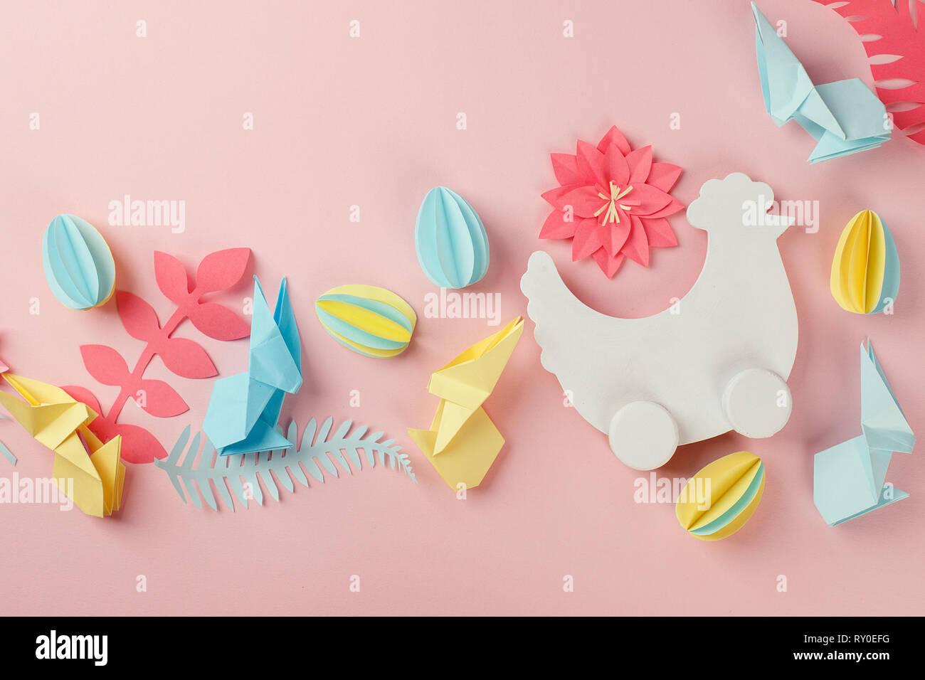 Maison De Vacances De Pâques Avec Arrière Plan Créatif, Fleurs, Oeufs  Papercraft Origami