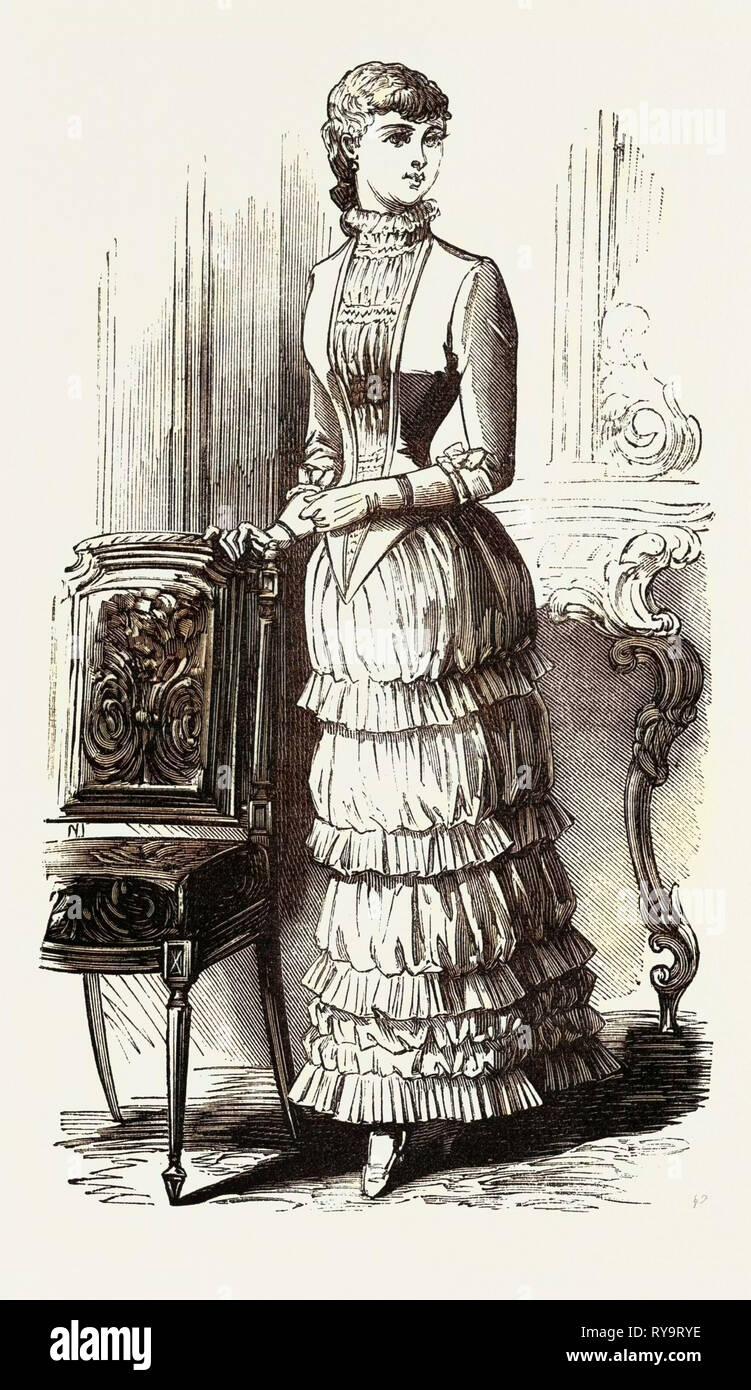 Robe du soir pour Fille de 15 ans, la mode, la gravure 1882 Photo Stock