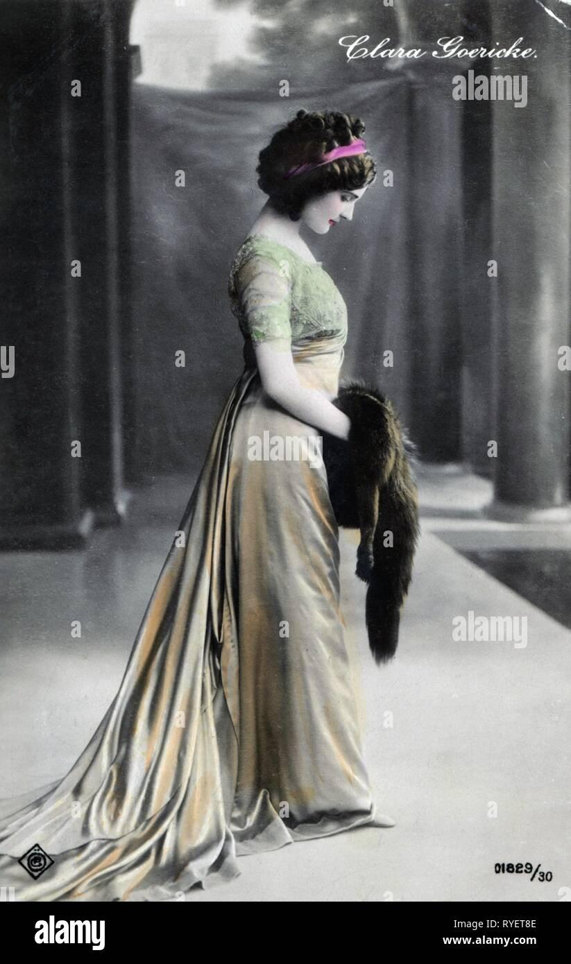 Theatre / Théâtre, début du siècle, Clara Goericke, coloré photo carte postale, Vienne, 1910, Additional-Rights Clearance-Info-Not-Available- Photo Stock