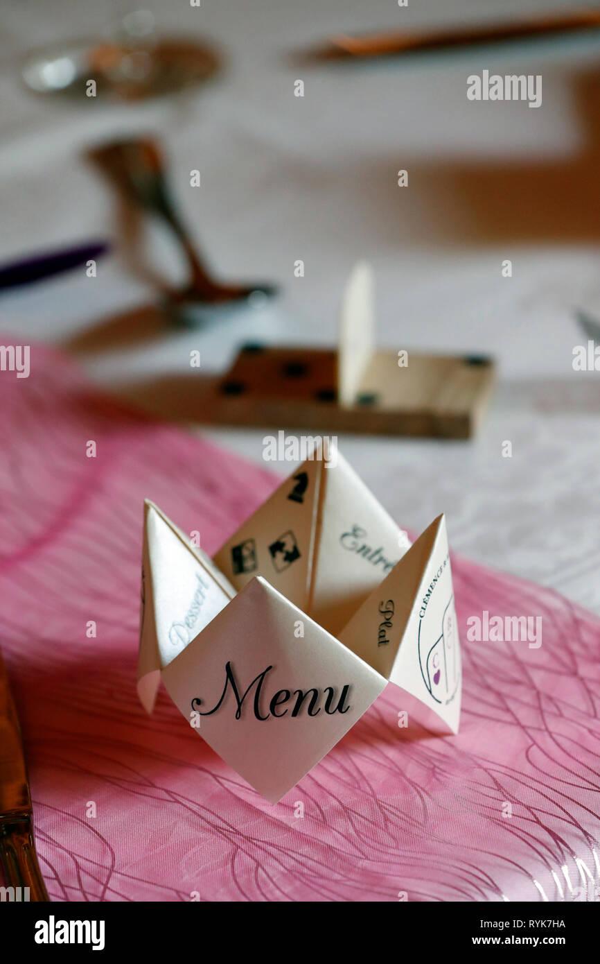 Place à un mariage. Le menu. La France. Photo Stock