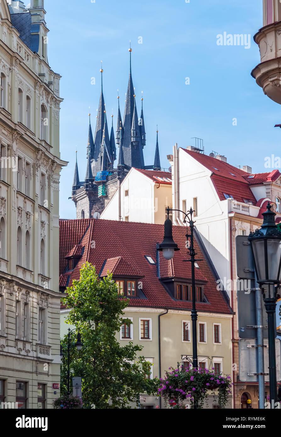 Église Notre Dame avant Tyn à Prague Photo Stock
