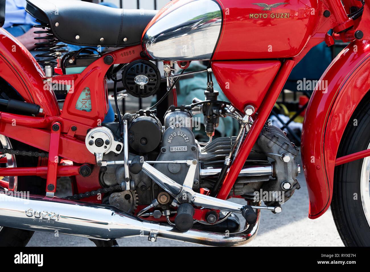 1950 Moto Guzzi Falcone. Vintage moto classique italien Banque D'Images