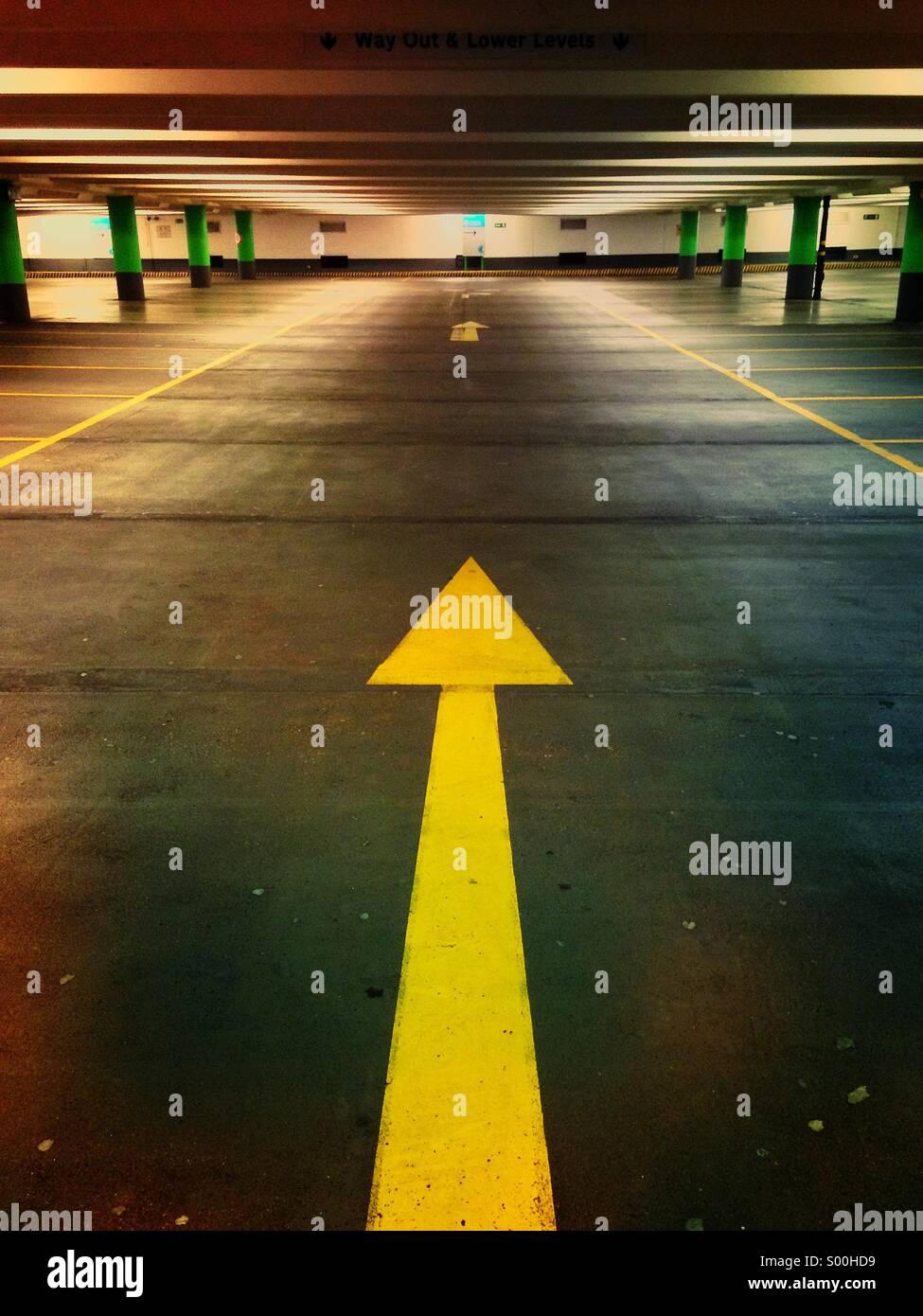 Flèche de parking Banque D'Images