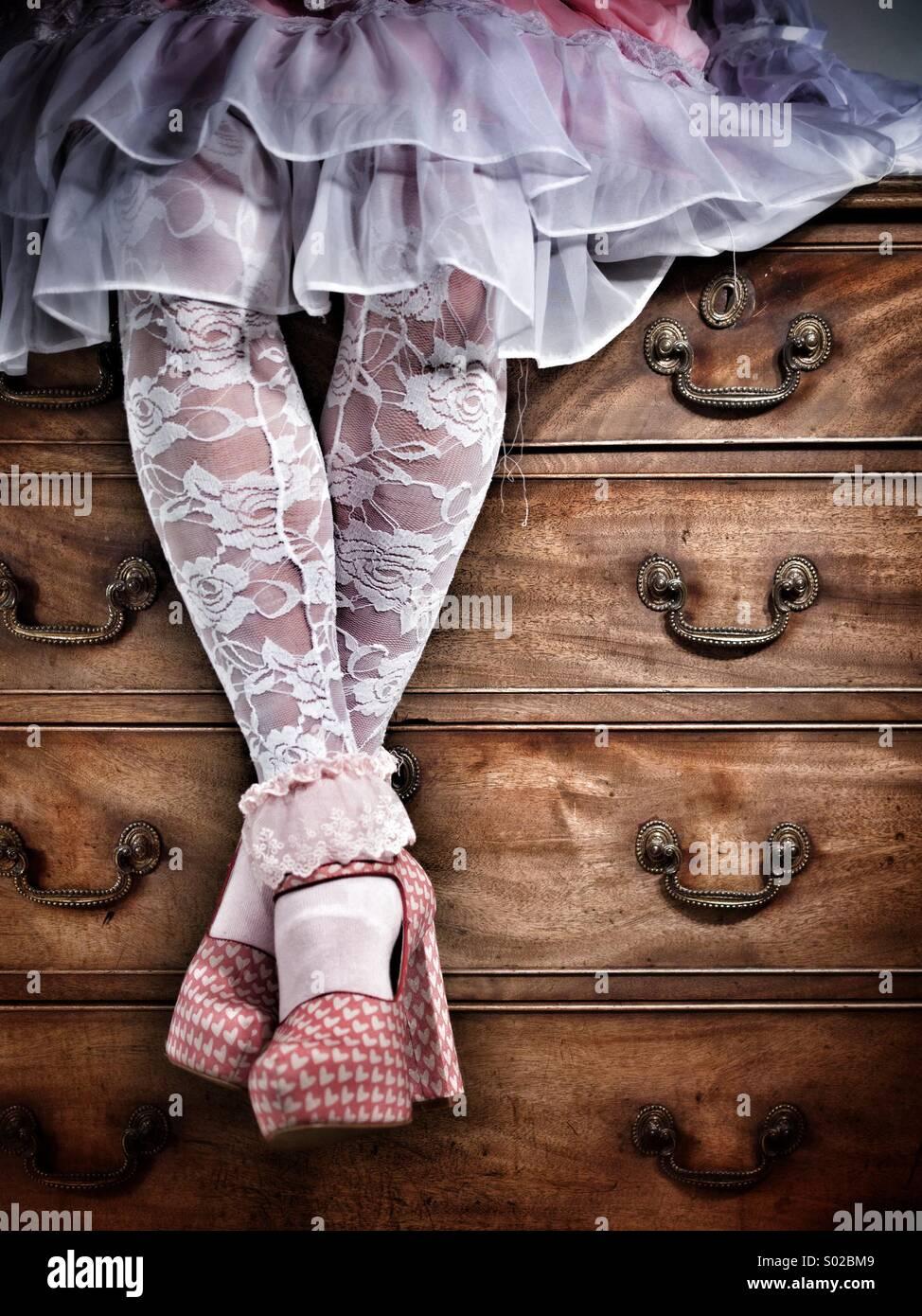 - Photos de Mode des bas et jupe de dentelle ébouriffé Photo Stock