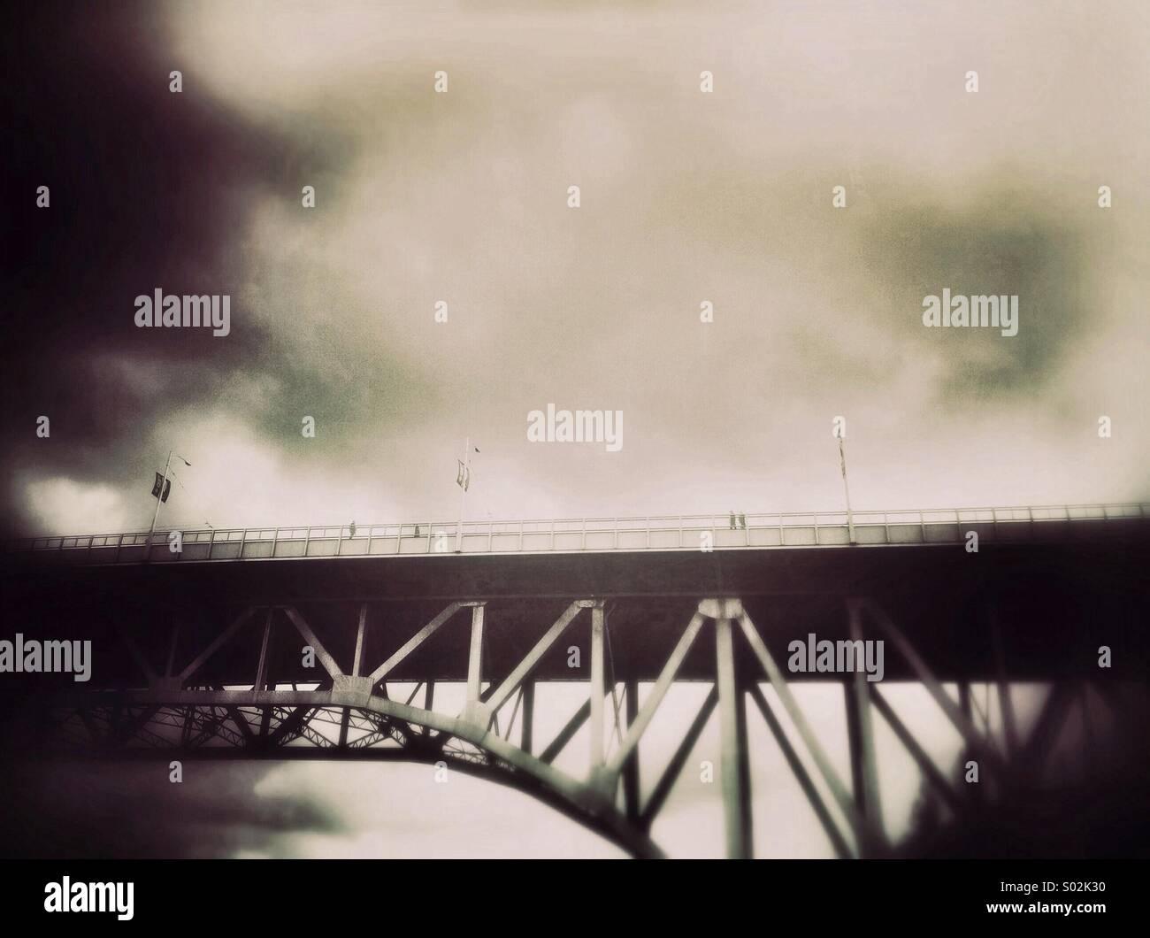 Pont de la rue Granville, Vancouver, BC, Canada sur une morne journée nuageuse. Photo Stock