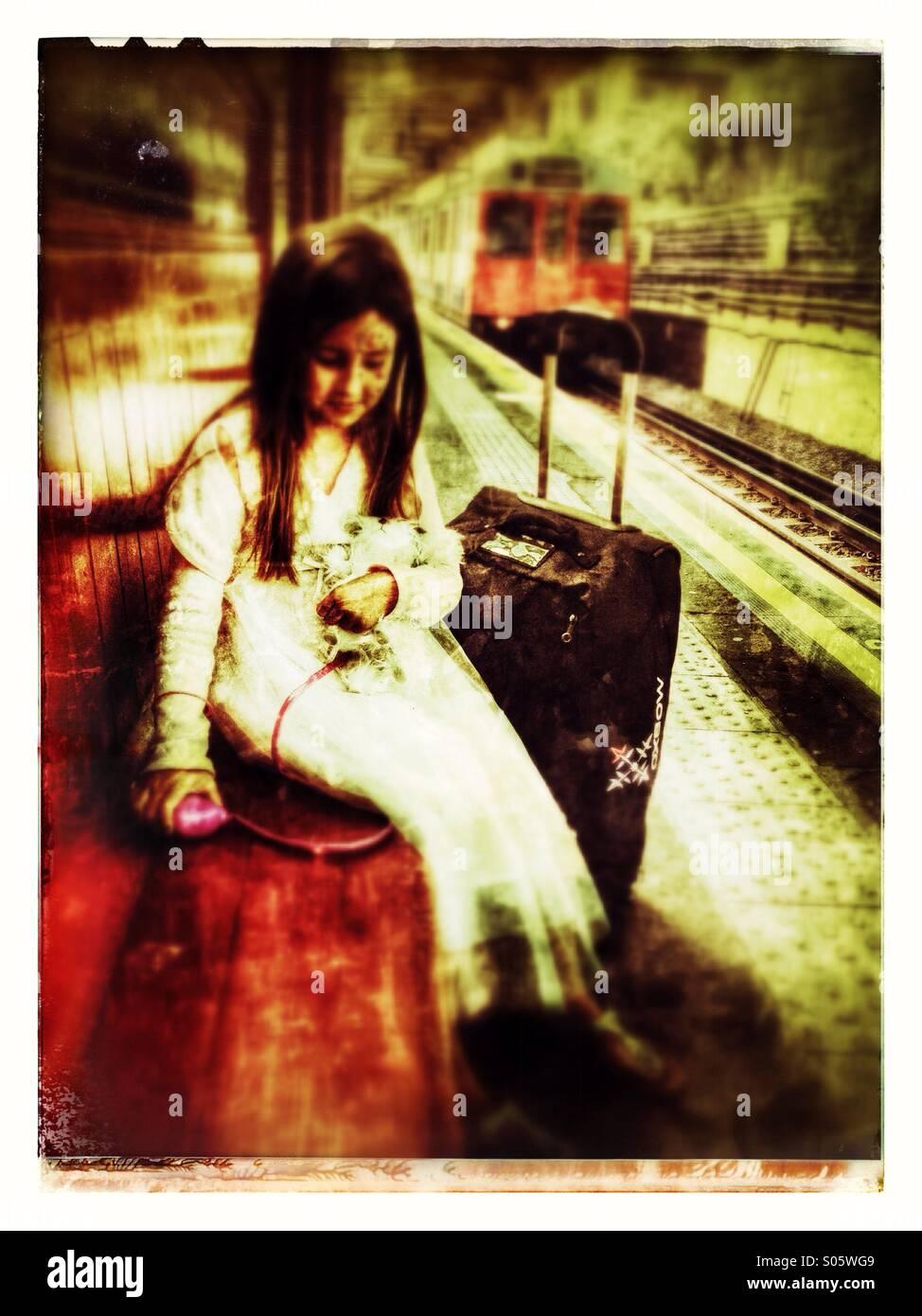 Jeune fille voyageant Photo Stock