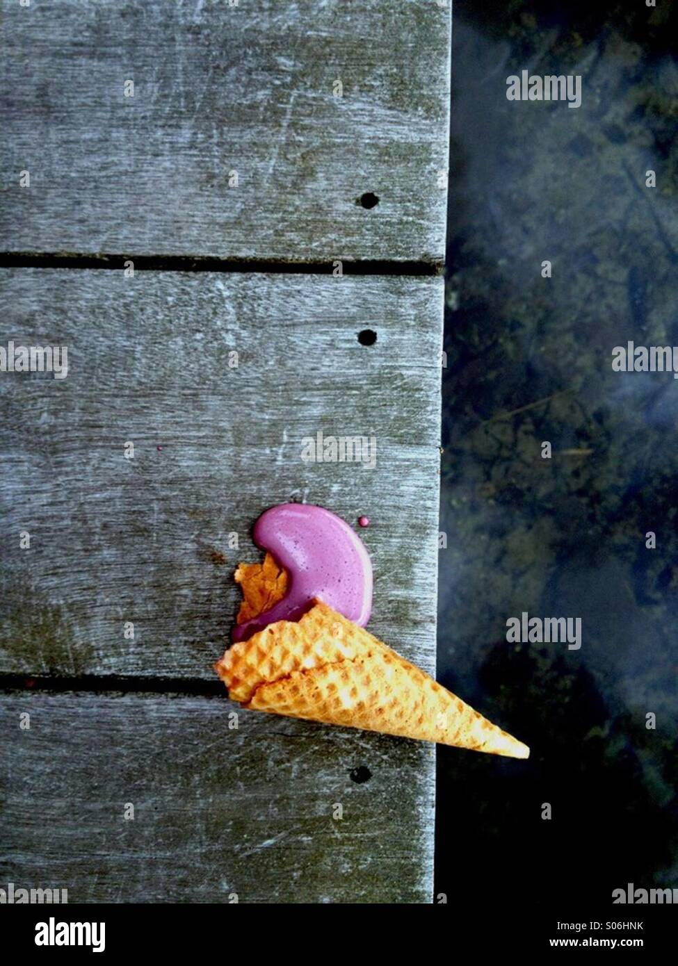 Abandonné ice cream cone Photo Stock