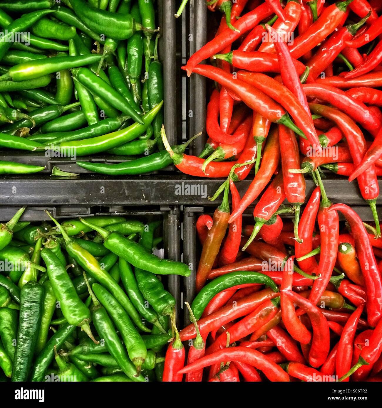 Piments rouges et verts Photo Stock