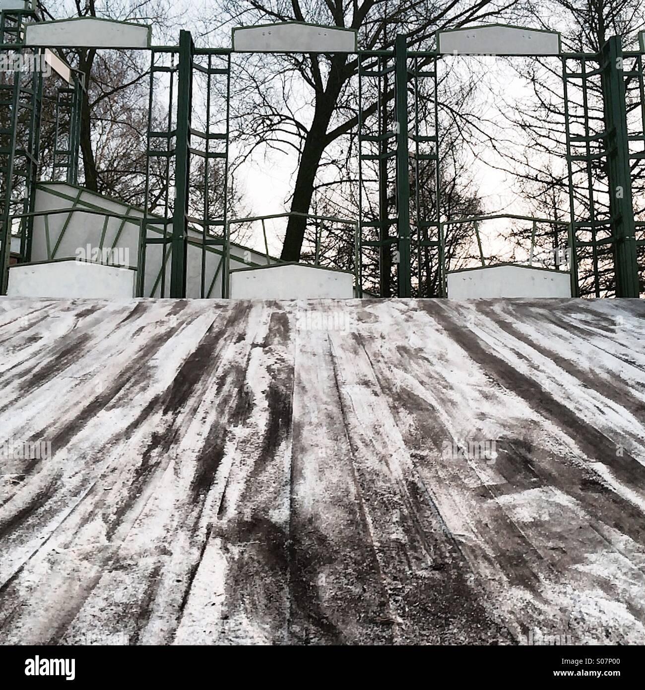 Faites glisser,neige, à l'extérieur, personne,aire de jeux Photo Stock