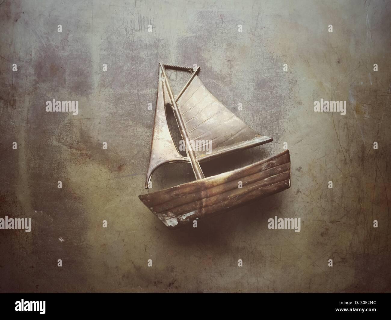 Vieux métal modèle de bateau à voile Photo Stock