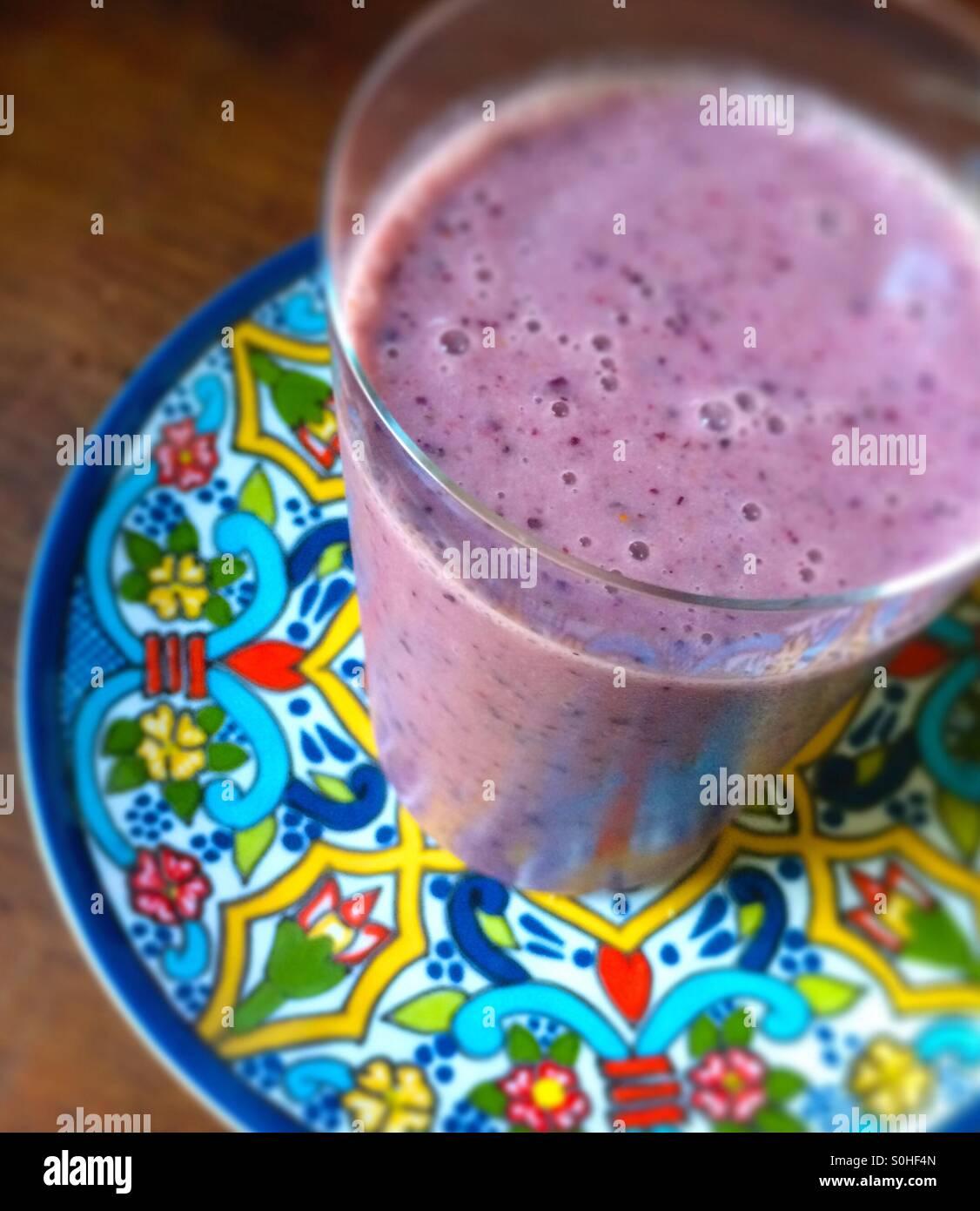 Le lait d'Amande berry smoothie papaye Photo Stock