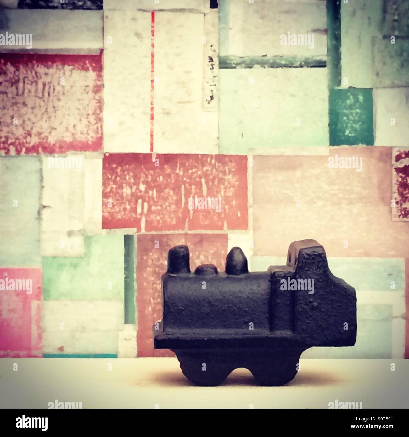 Peu de voyages, petite locomotive sur abstract background Photo Stock