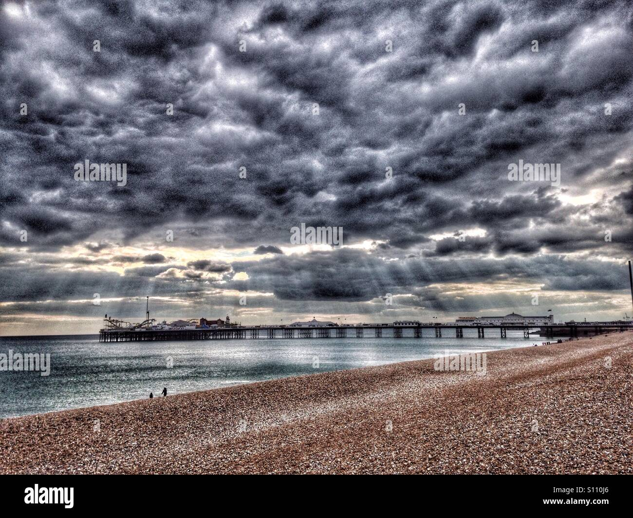 La plage de Brighton et de la jetée, Sussex, UK Photo Stock