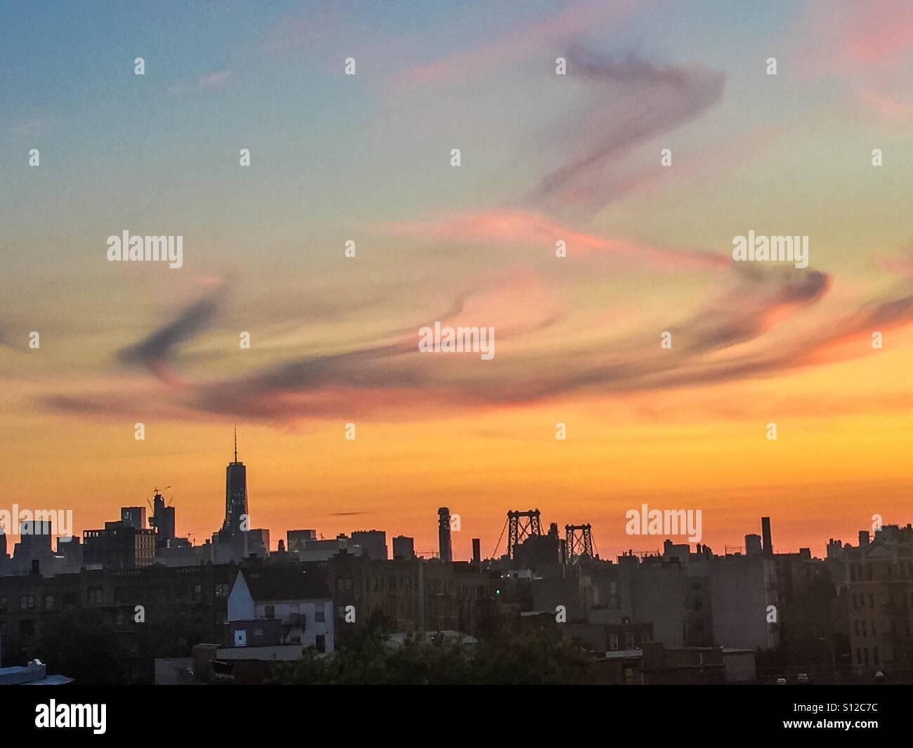 NYC sunset à partir d'une vue de Brooklyn. Banque D'Images