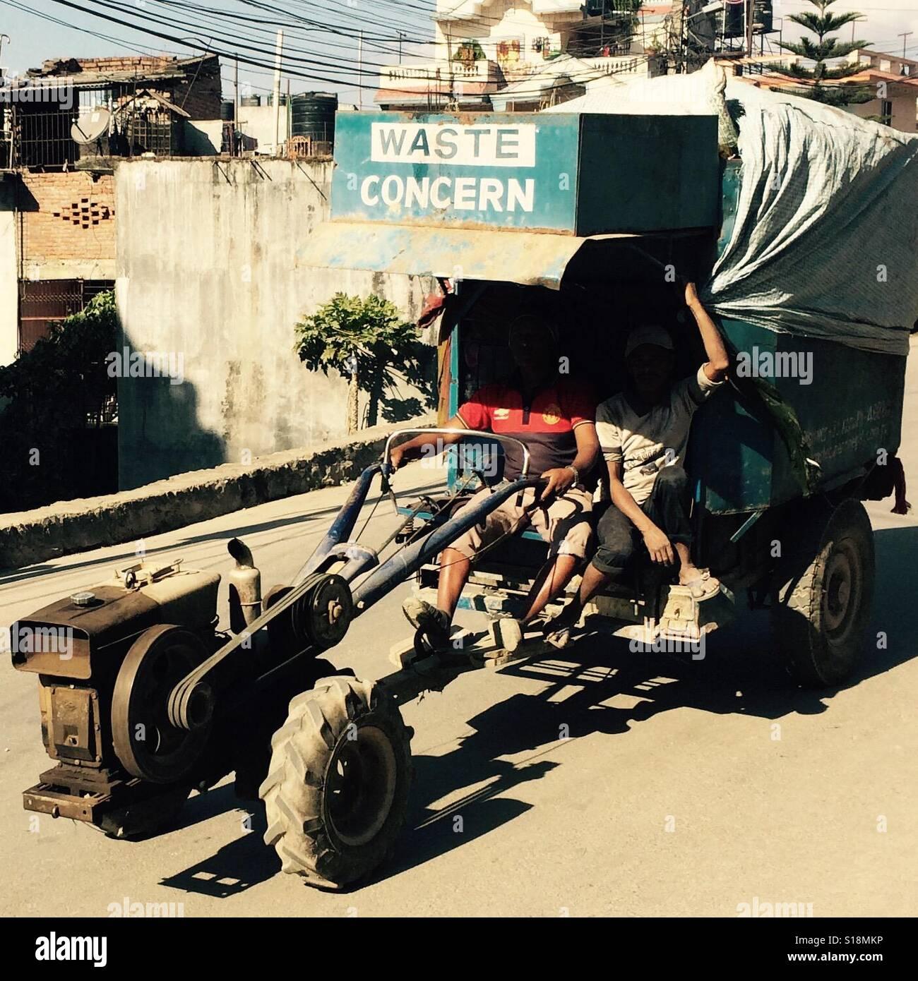 Préoccupation des déchets chariot, Katmandou, 2017 Photo Stock