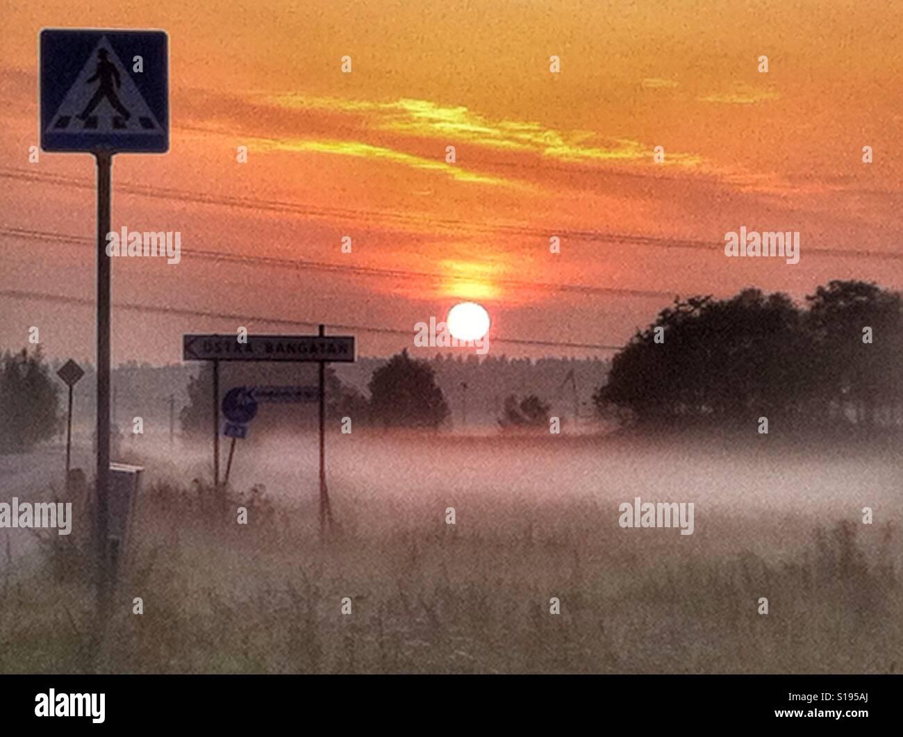 Lever du soleil à Märsta, Suède Banque D'Images