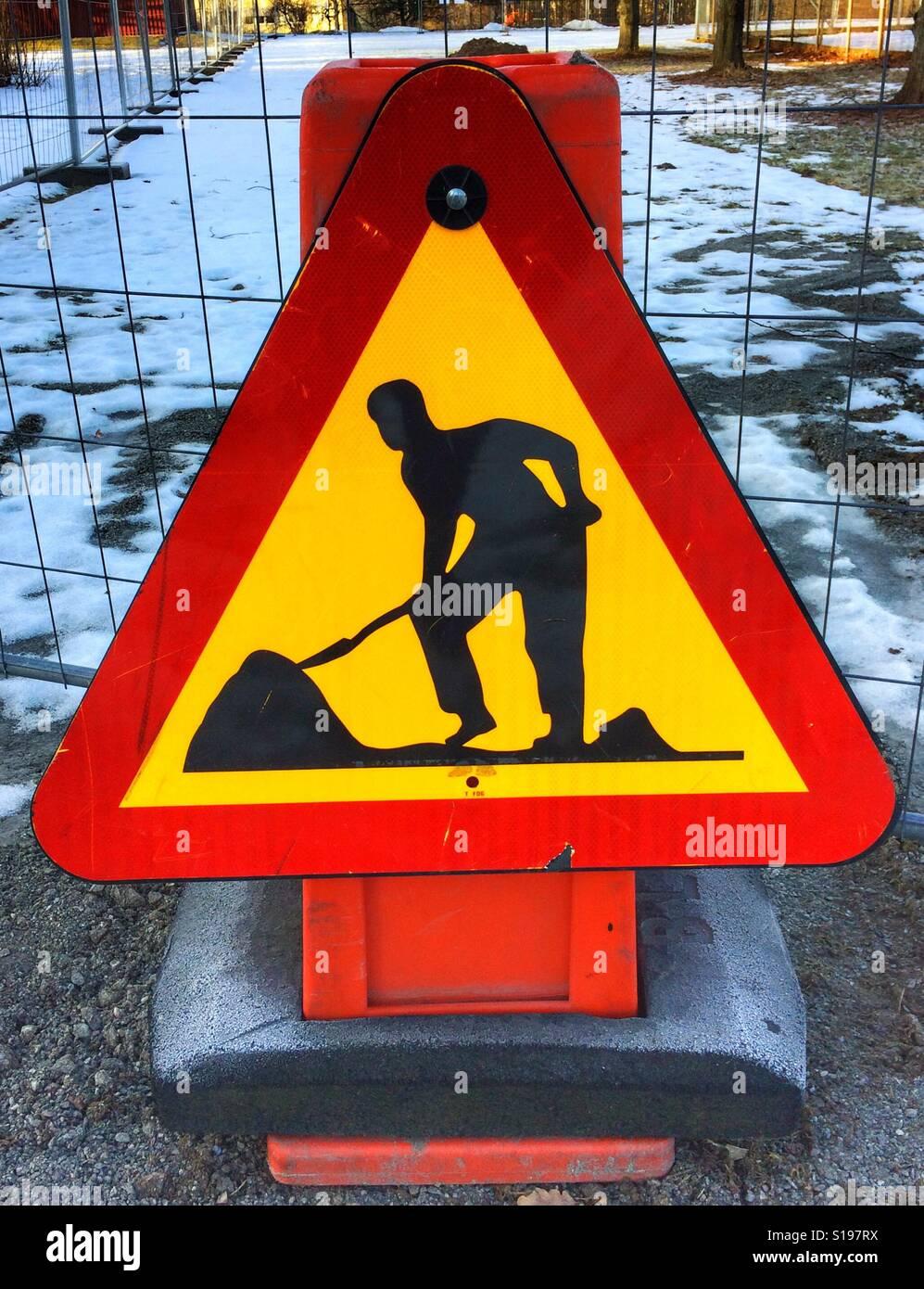 Travaux routiers sign in Sätra, Suède. Banque D'Images