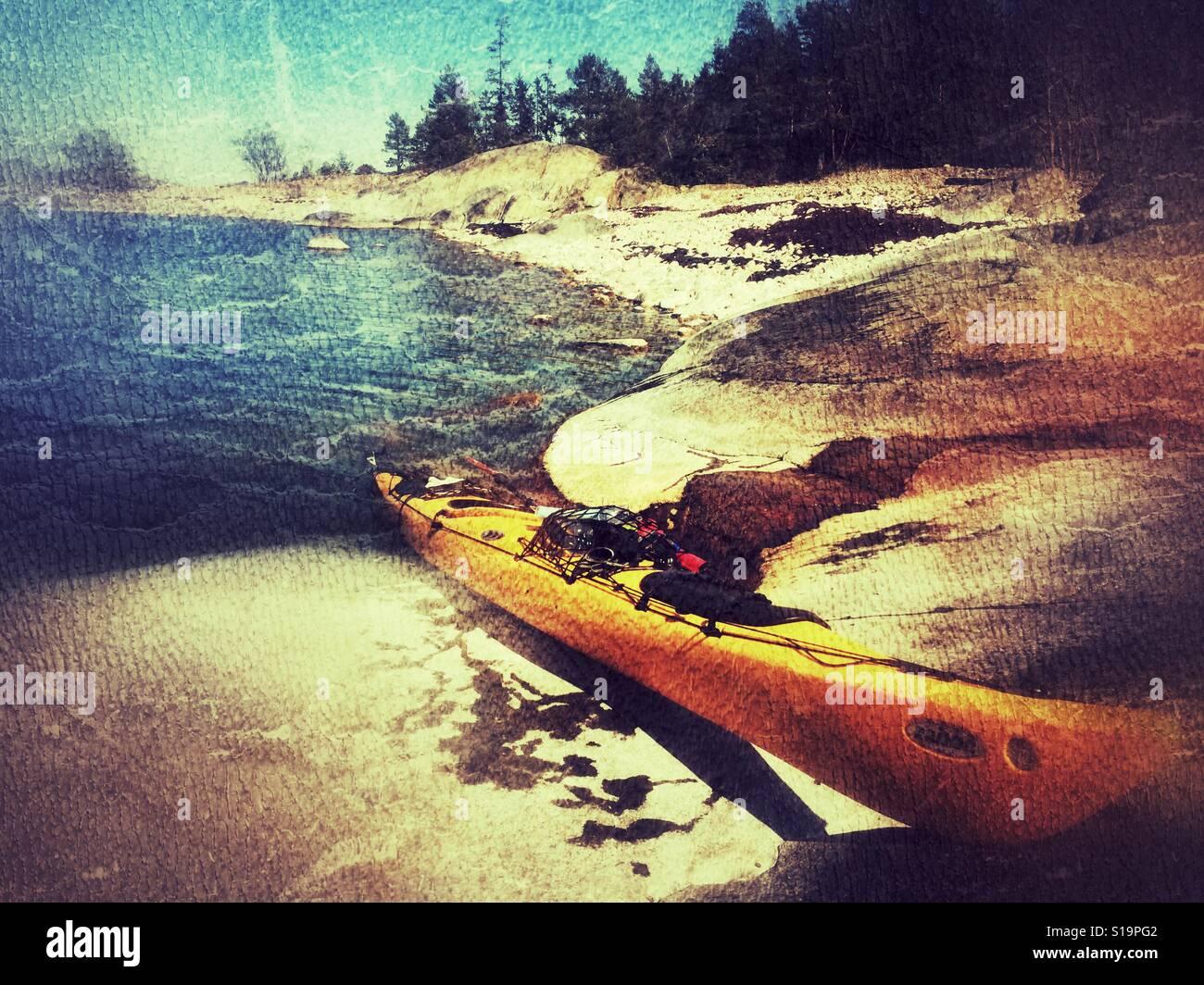 Kodiak Prijon Kayak dans l'archipel de Roslagen Stockholm en Suède. Banque D'Images