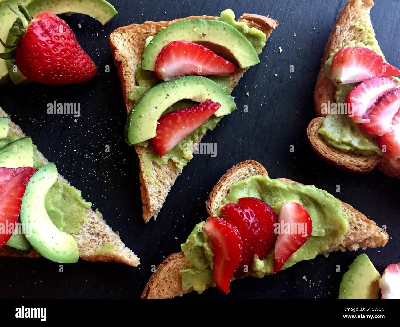 Pain perdu aux fraises Avocat Photo Stock