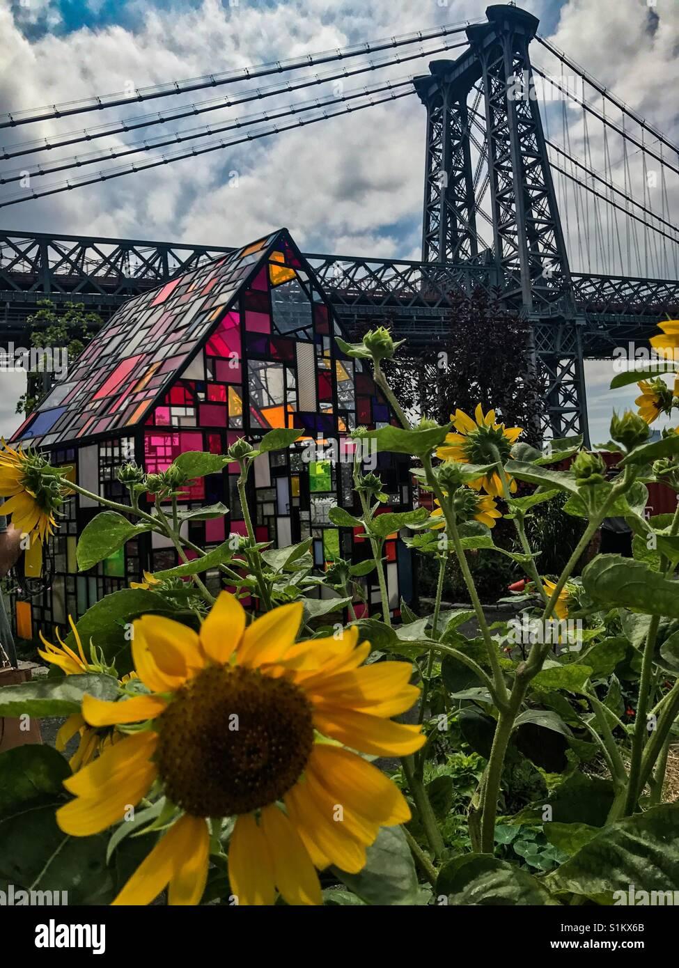 Ferme du Williamsburg, Brooklyn avec pièce d'art et de pont. Banque D'Images