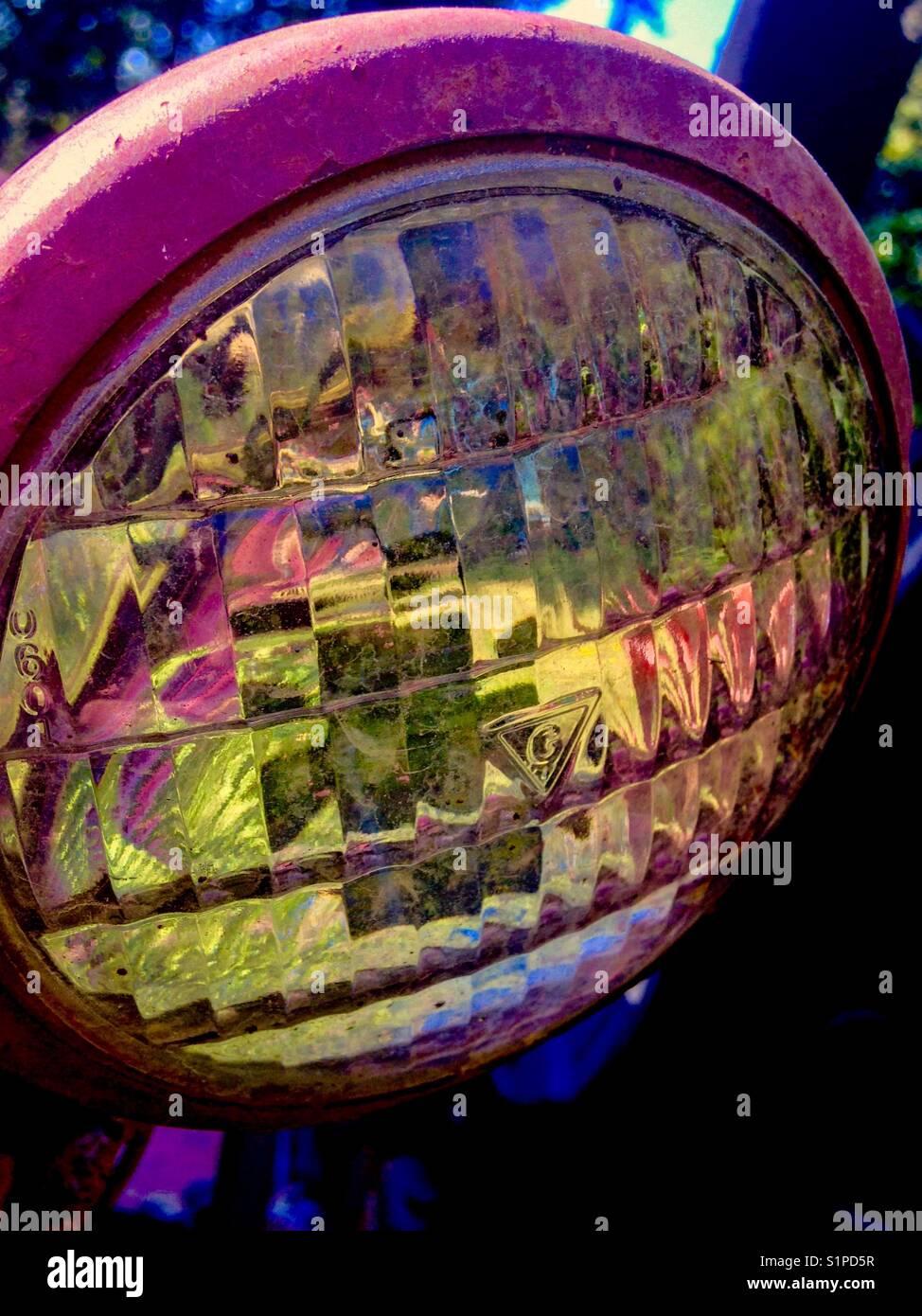 Dans la réfraction colorés lampe tracteur Photo Stock