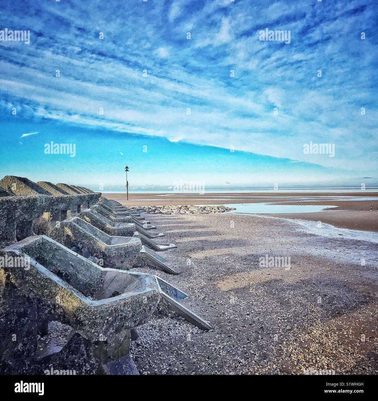 Les disjoncteurs d'onde à New Brighton Beach Photo Stock