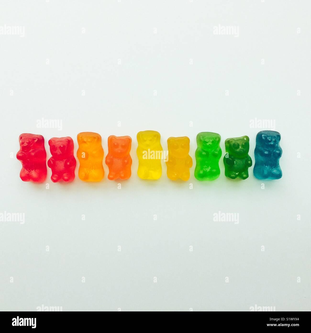 Gummy bears dans l'ordre de l'arc-en-ciel Banque D'Images