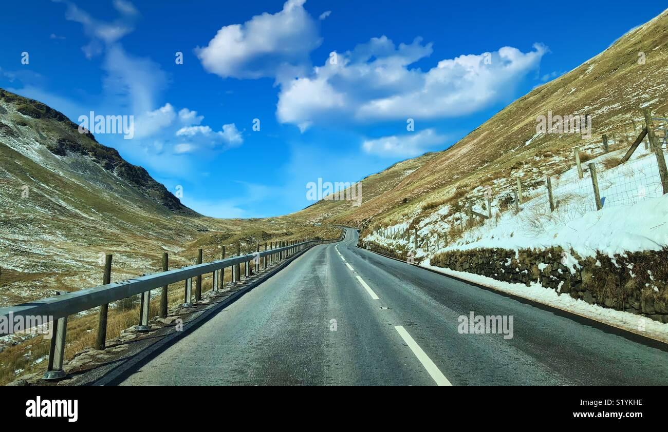 Voyage en voiture à travers les montagnes de Snowdonia Photo Stock