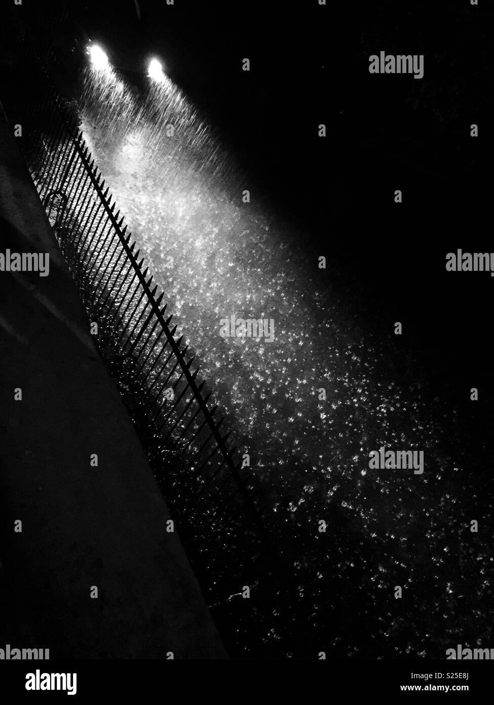 Des phares dans la tempête Photo Stock