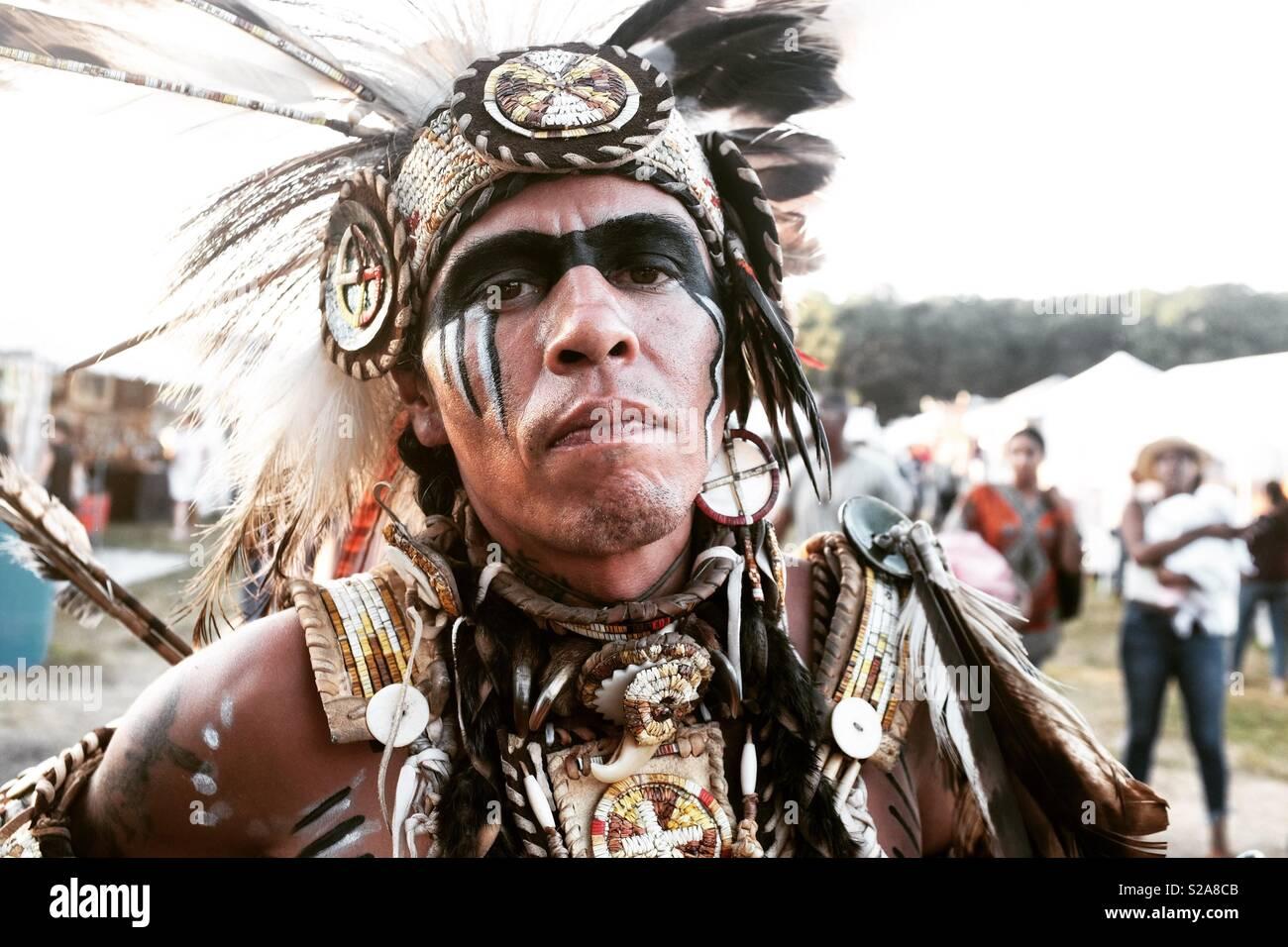 Un chef amérindien au Shinnecock Pow-wow. Photo Stock