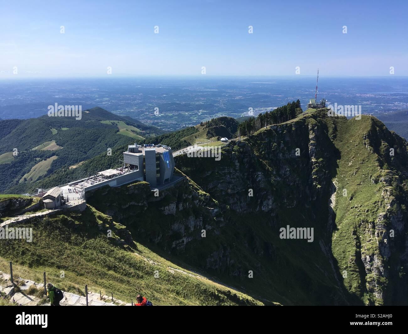 Le Monte Generoso, Suisse: panorama depuis le haut et vue sur la Pietra di Fiore Photo Stock