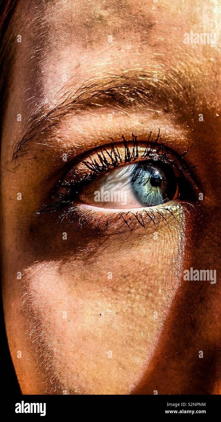 Un gros plan d'un globe oculaire Photo Stock