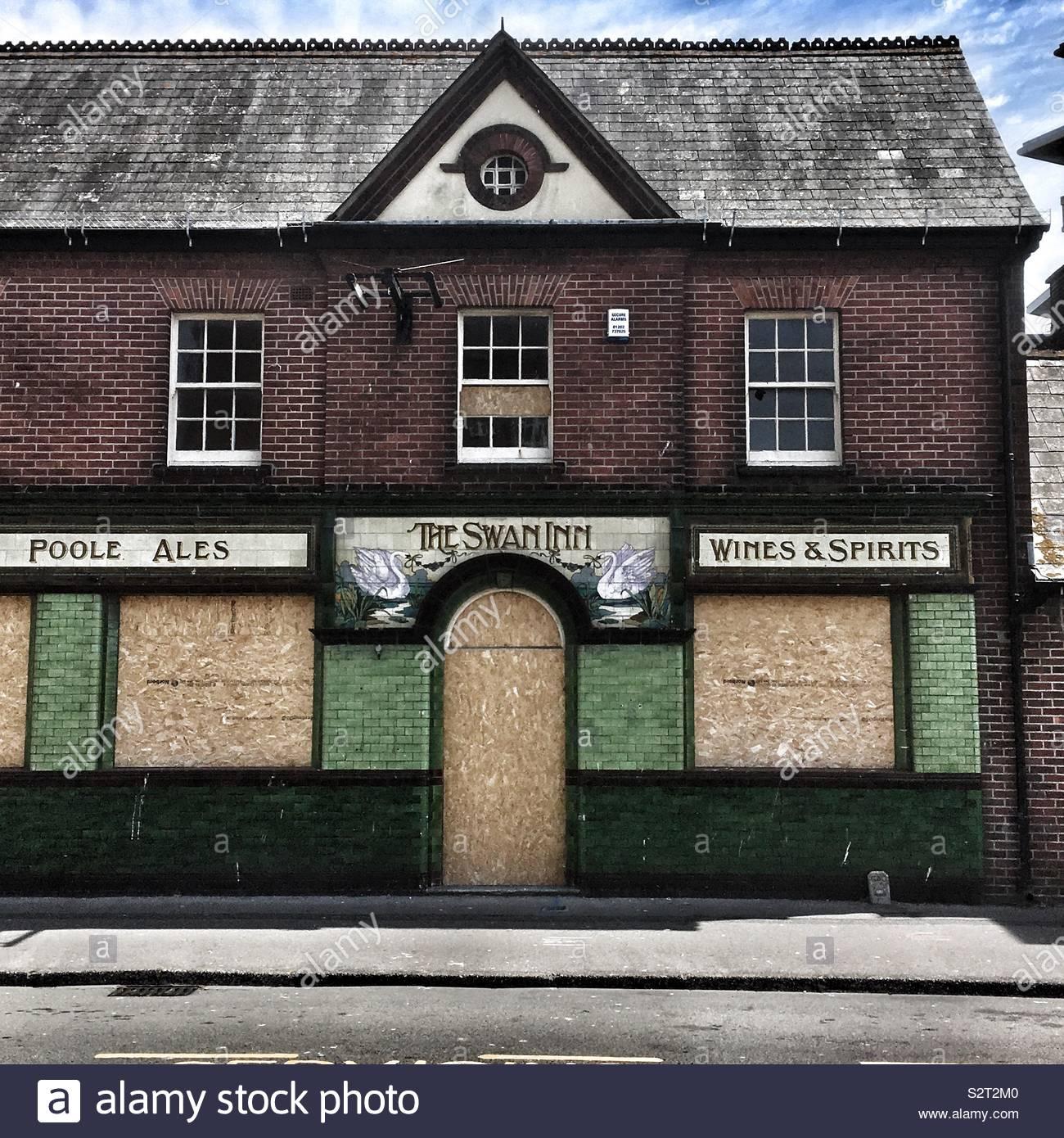 Fermé pub dans Poole Dorset Angleterre Photo Stock