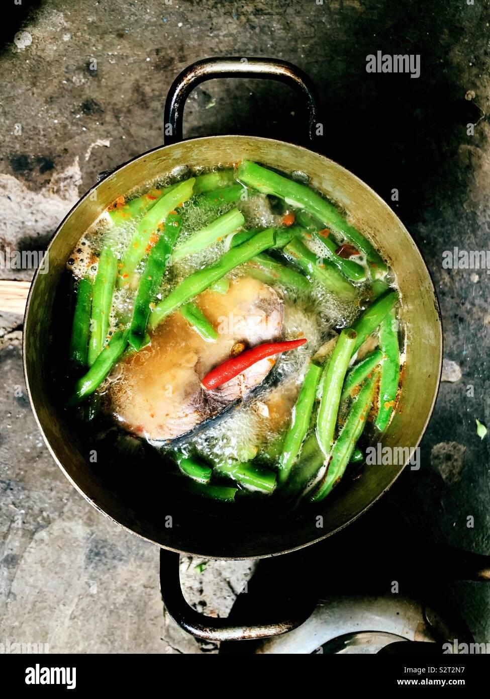 Le thon cuit avec des haricots rouges Photo Stock