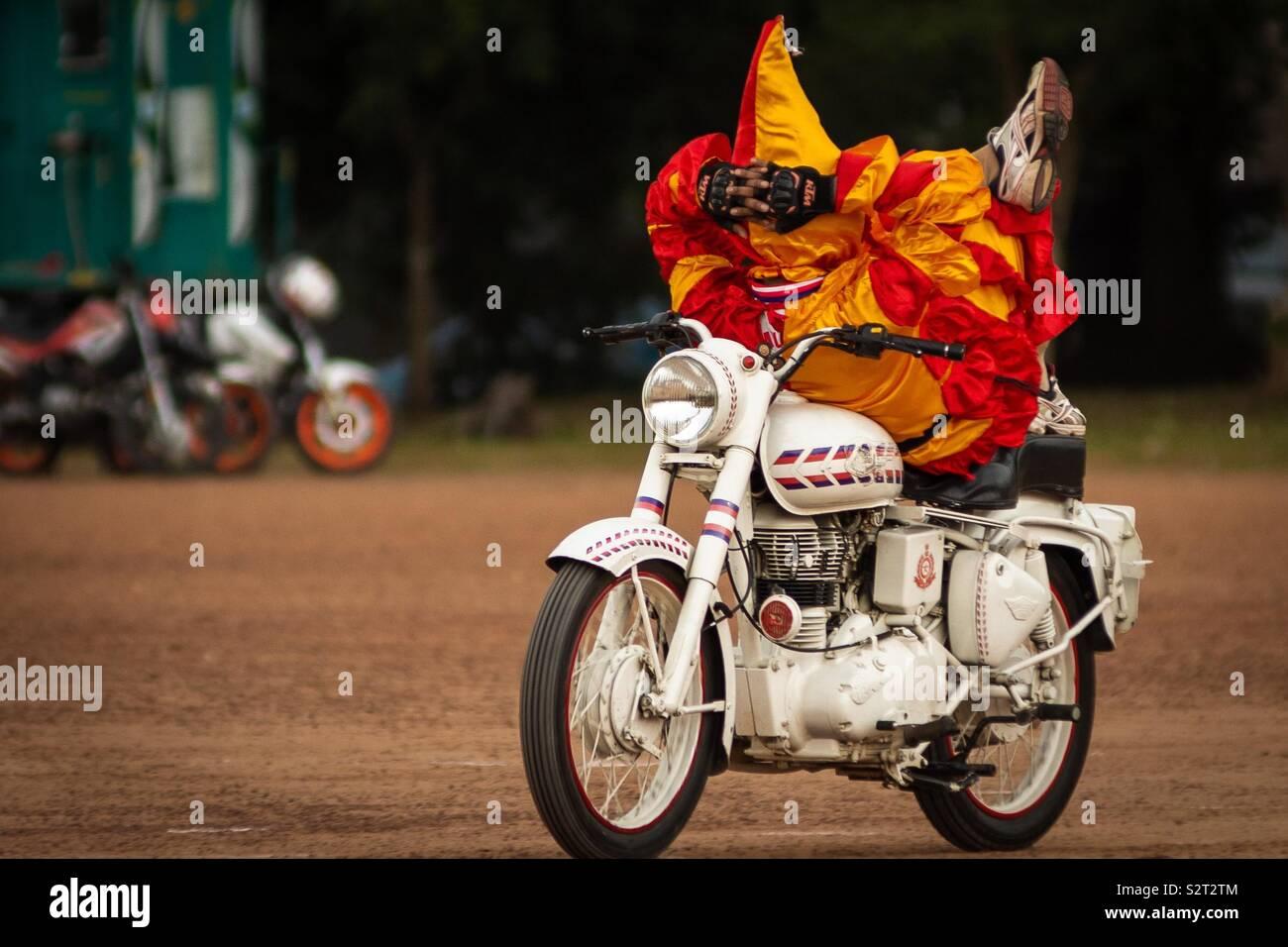 Joker de l'équipe de moto à l'école Sainik Kazhakootam Photo Stock